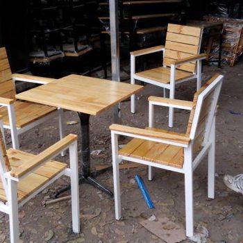 bàn ghế nhà hàng khung sắt