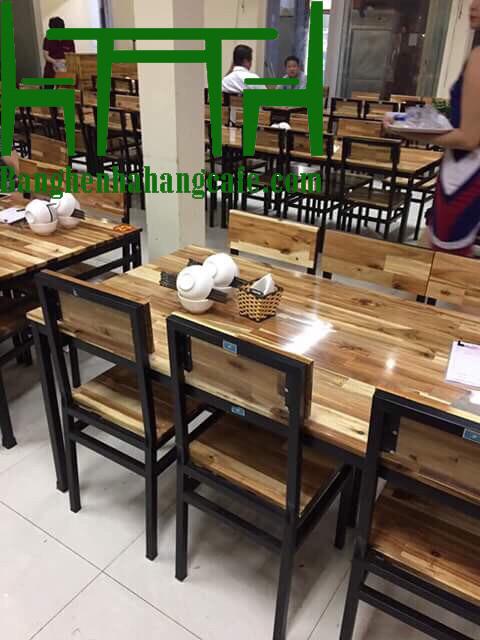 Bộ bàn ghế nhà hàng khung sắt