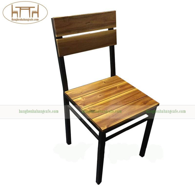Bàn ghế khung sắt mặt gỗ không tay