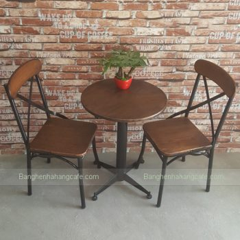ban-ghe-cafe-gia-co-vintage-m01
