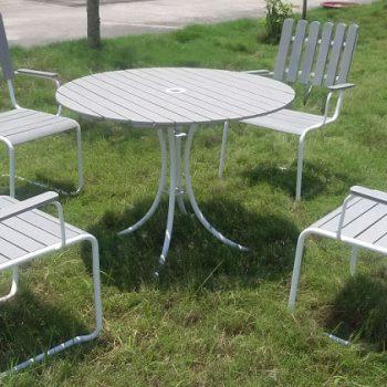 Bàn ghế sân vườn ngoài trời