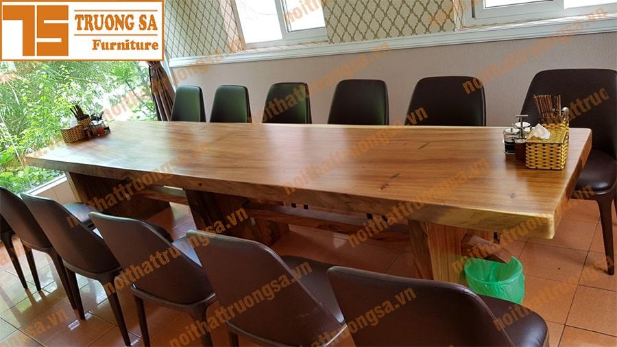 kích thước bàn ăn gỗ nguyên tấm