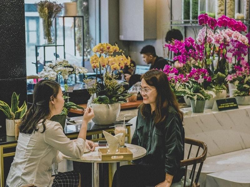 kinh doanh quán cafe kết hợp bán hoa tươi