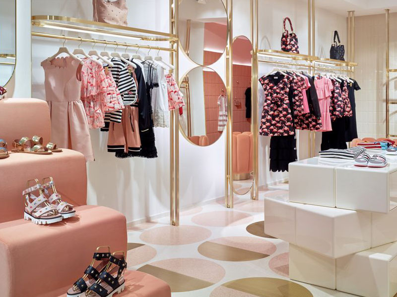 thiết kế thi công shop thời trang