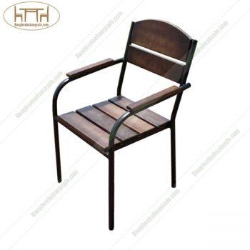 Ghế khung sắt có tay mặt gỗ sồi